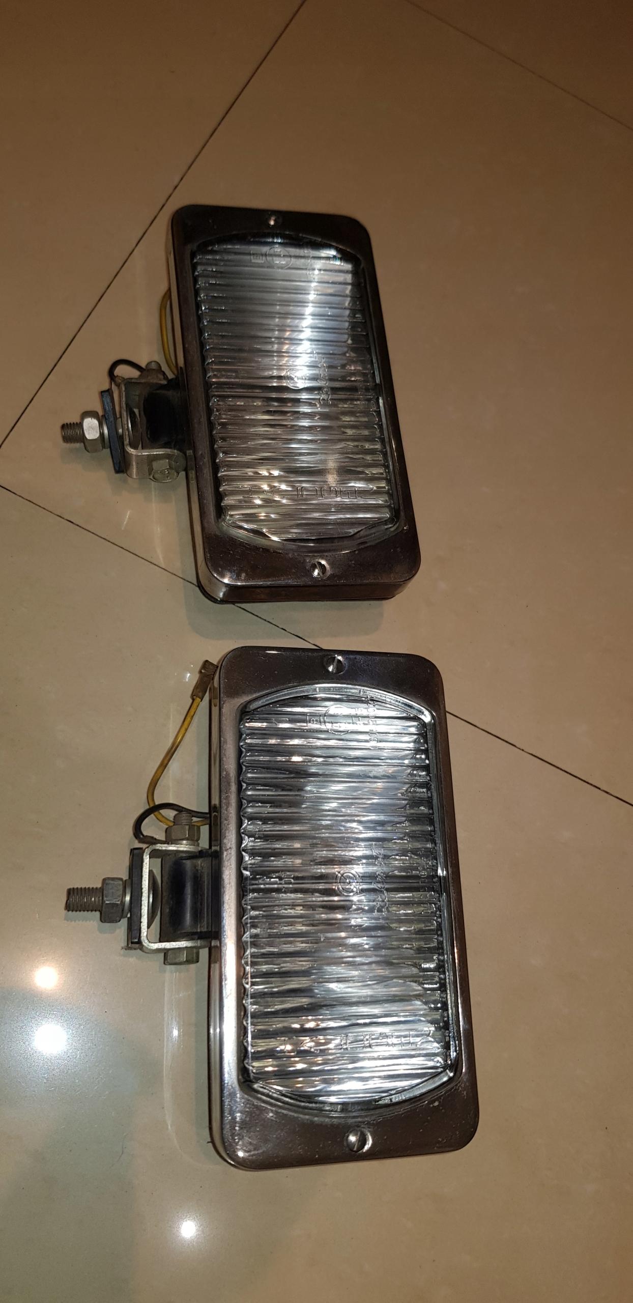 NOWE HALOGENY ZELMOT LAMPY POLONEZ DUŻY FIAT 125
