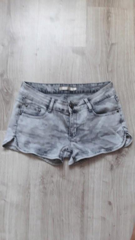 krótkie spodenki damskie jeansowe 38/40