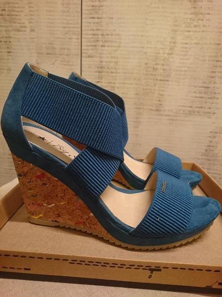Sandały na koturnie BIG STAR r. 39 nowe niebieskie