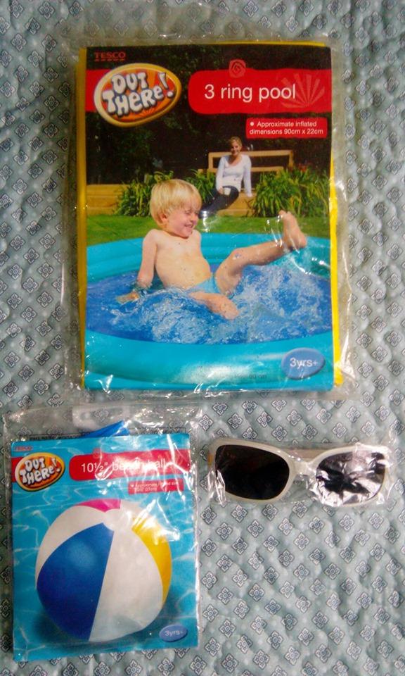 Basen,kolko do plywania i okularki