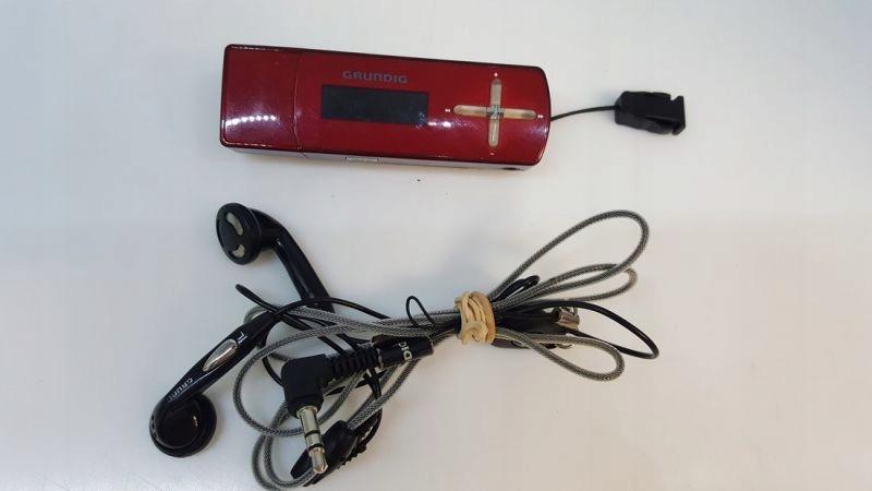 ODTWARZACZ MP3 GRUNDIG MPAXX 702 FM/1GB
