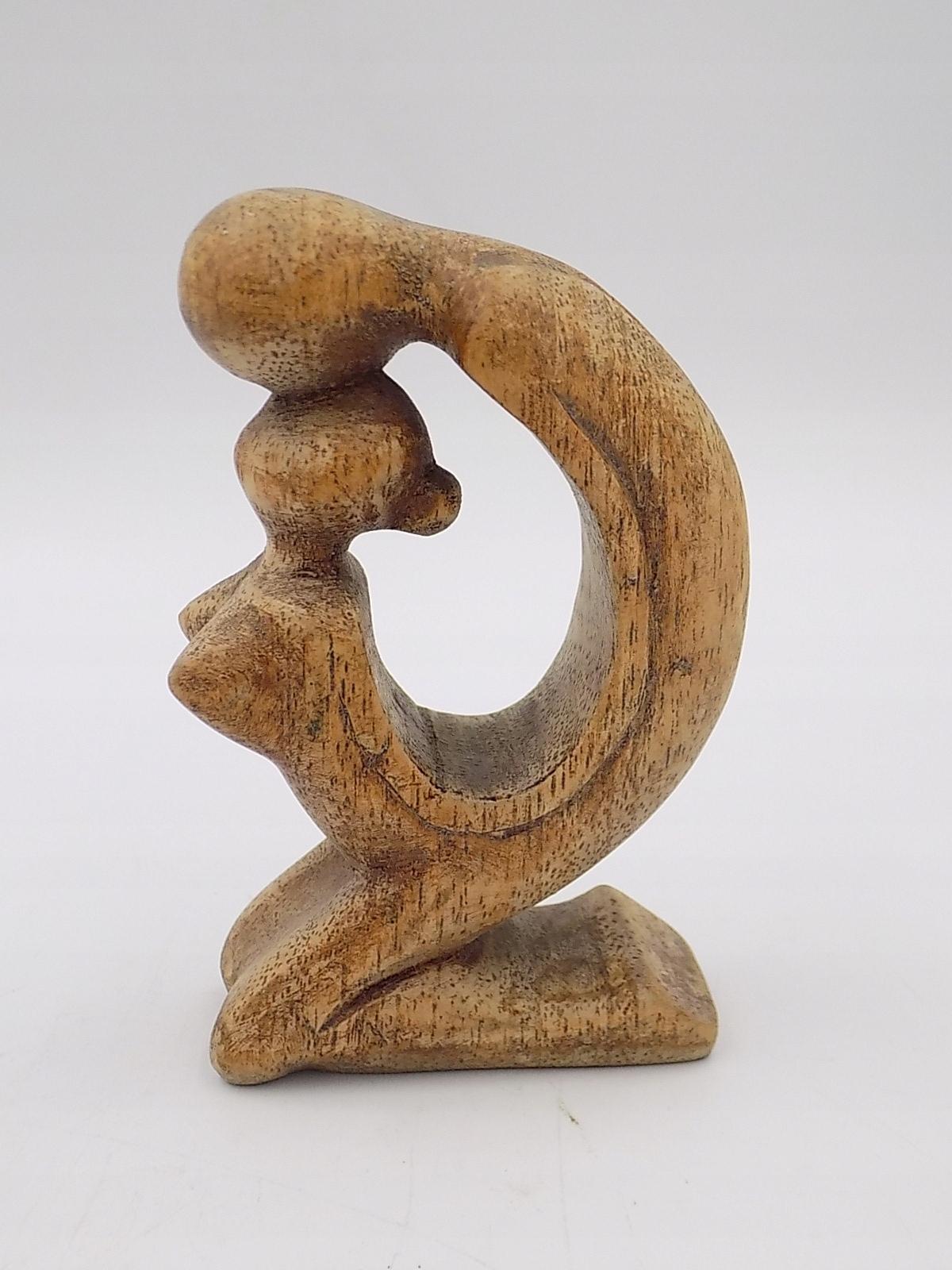 rzeźba drewniana Modern Design Matka z dzieckiem