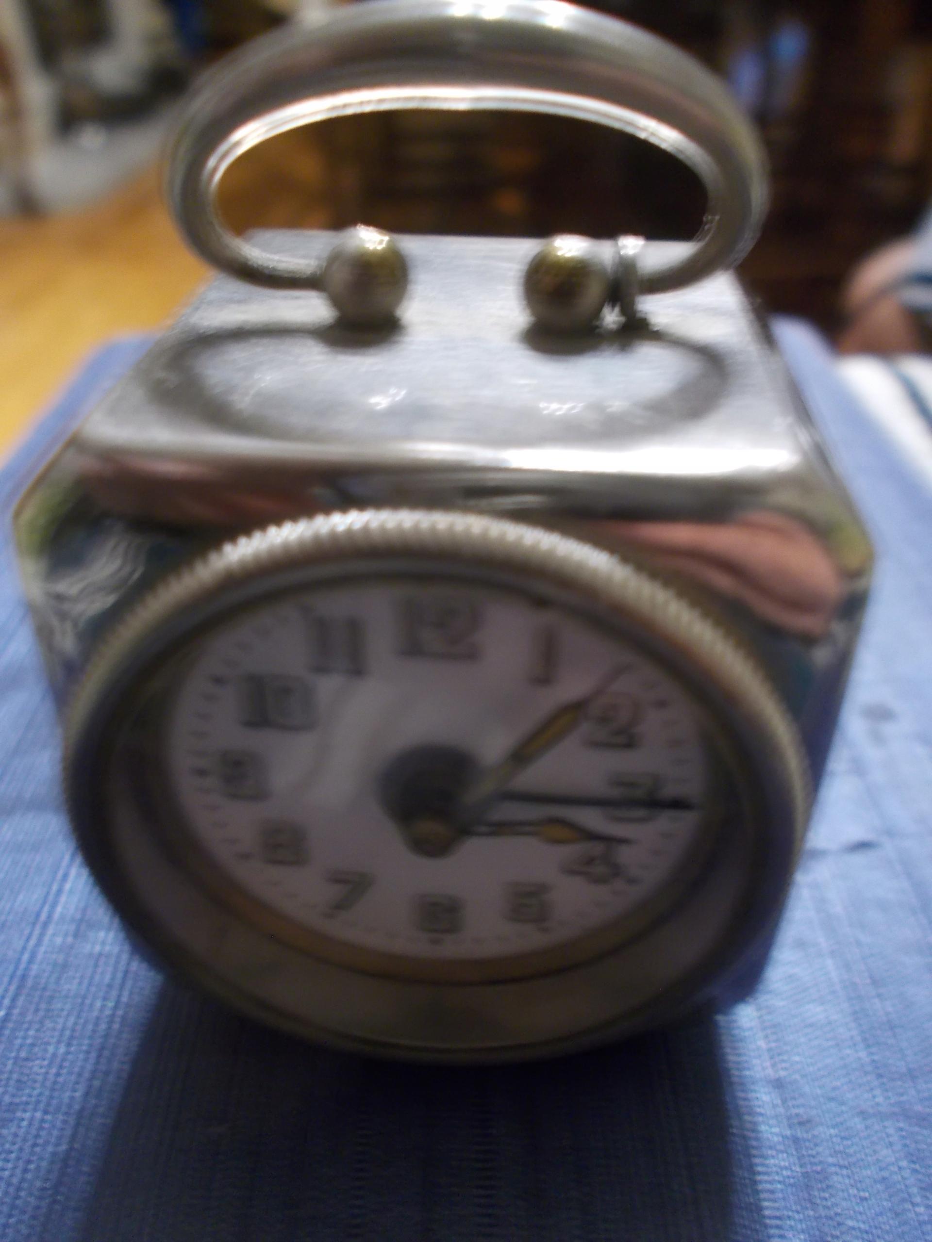 Stary budzik sygnowany D.R.P.8G.M.