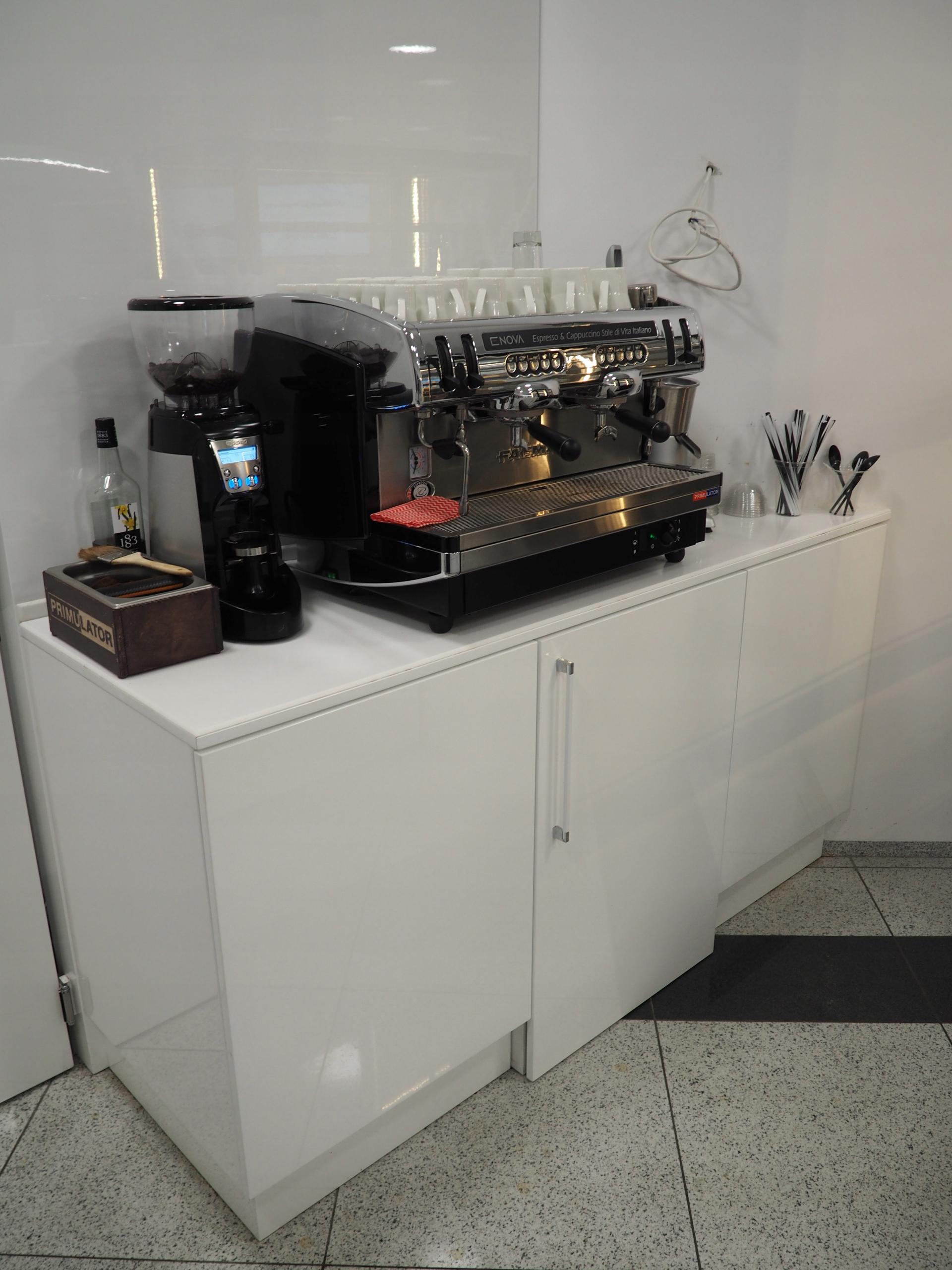 Ekspres do kawy ciśn. faema enova 2 z młynkiem