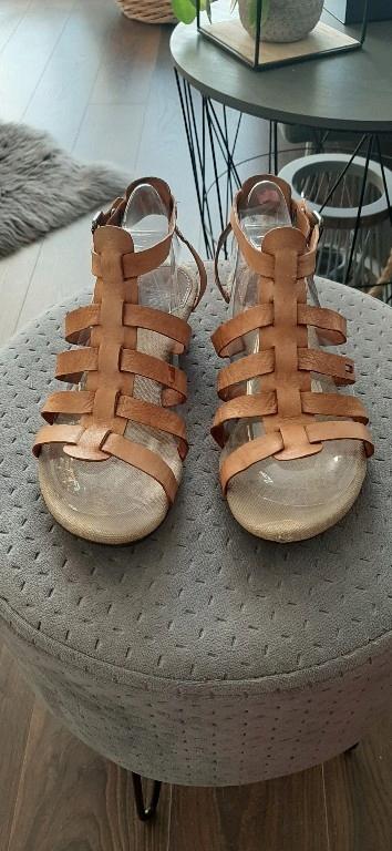 skórzane sandały Tommy Hilfiger roz 36