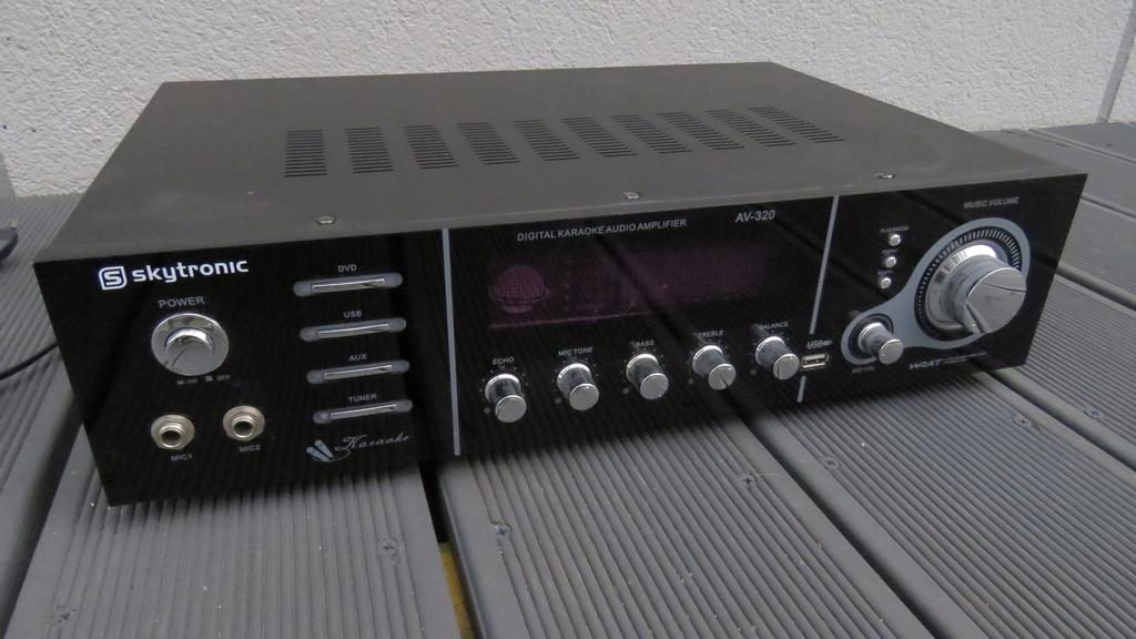 Wzmacniacz SKYTRONIC AV-320 MP3/USB 2x 100W