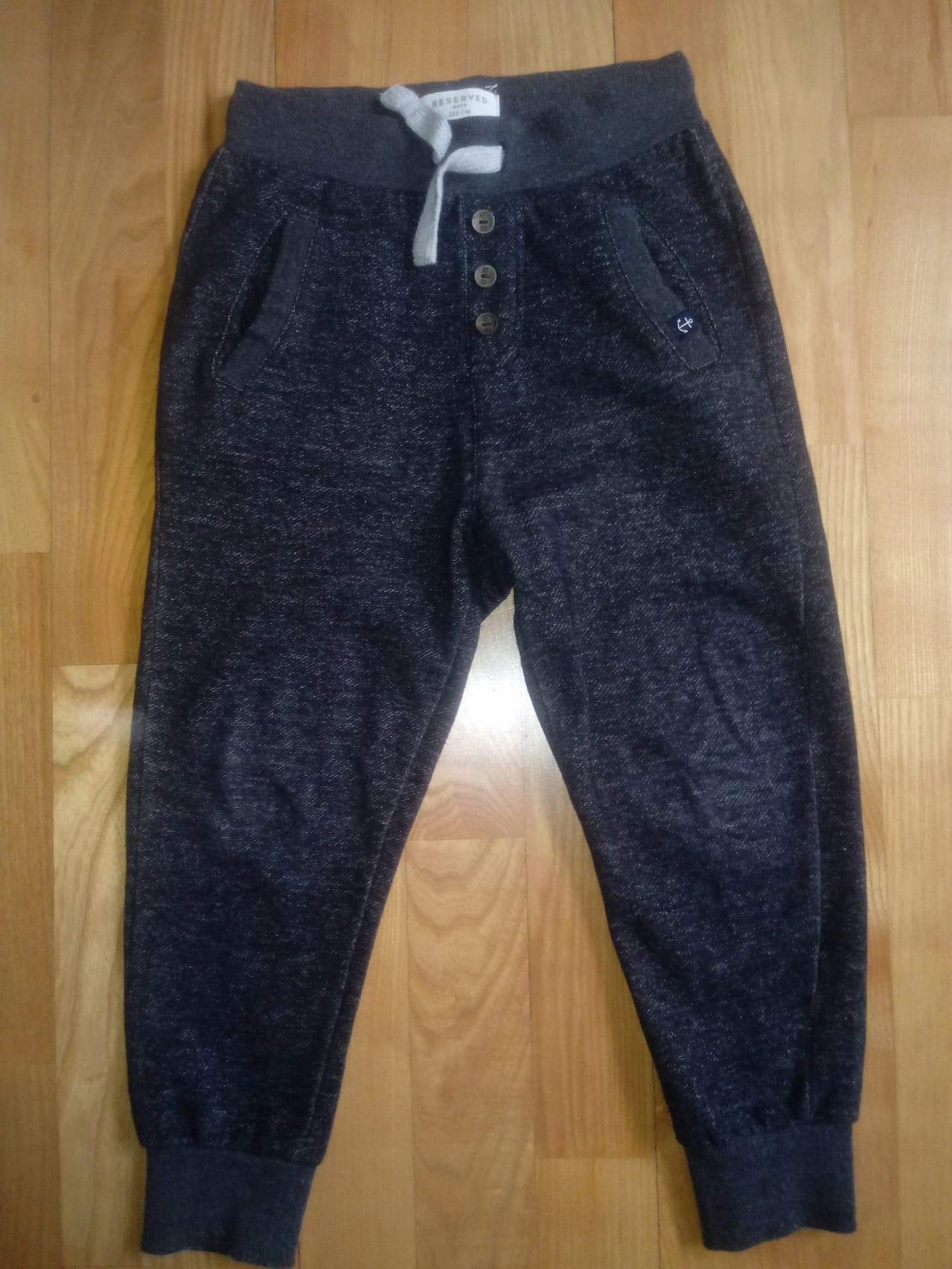Spodnie dresowe RESERVED roz. 122 - 7 lat