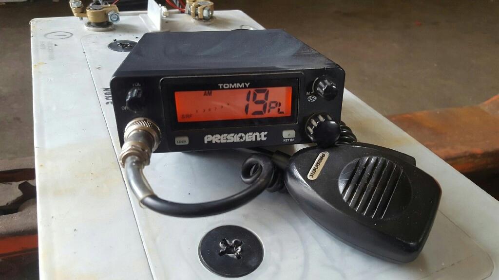 uszkodzone radio CB