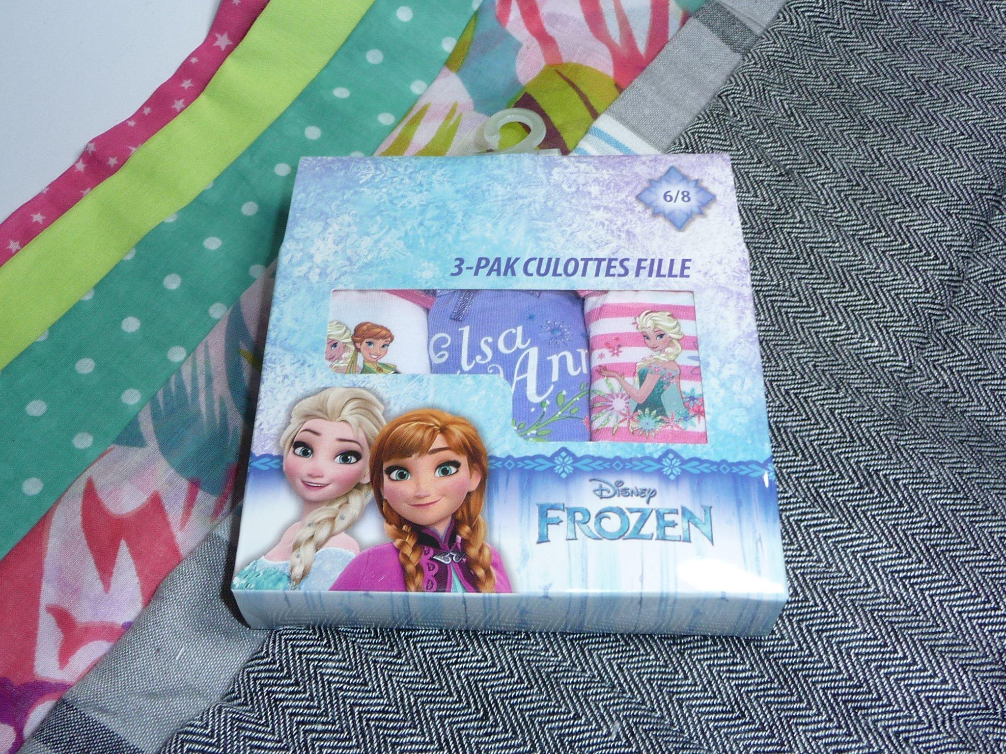Majtki Disney FROZEN 3pak 6/8 lat + SZALIK gratis