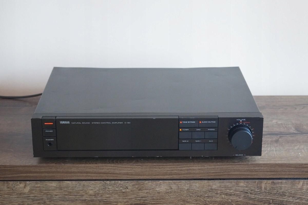 Przedwzmacniacz Yamaha C-60