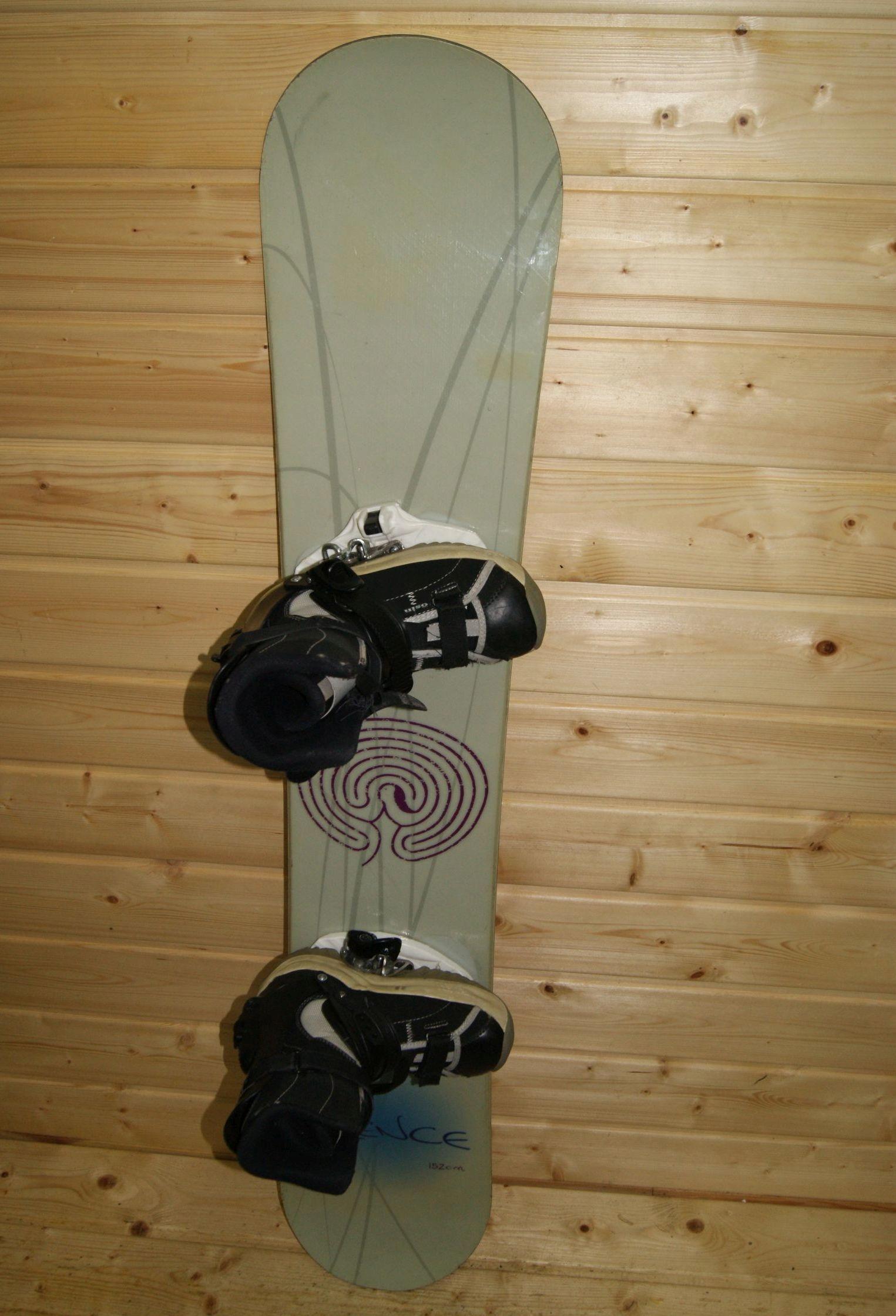Zestaw deska snowboardowa Silence 152 + buty Osin