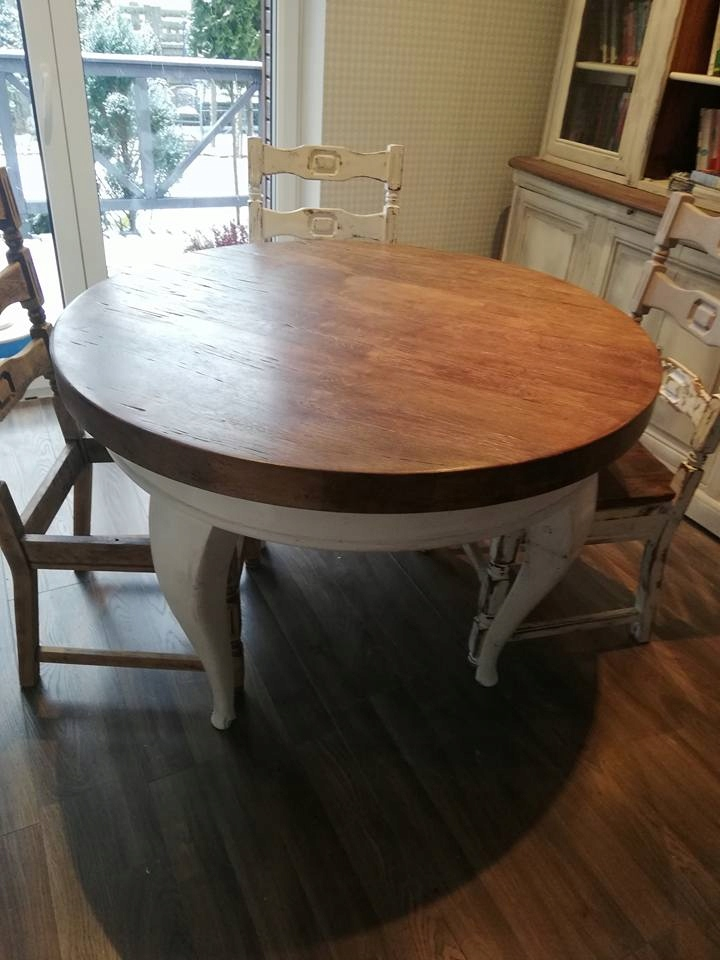 Dębowy, ciężki stół z krzesłami
