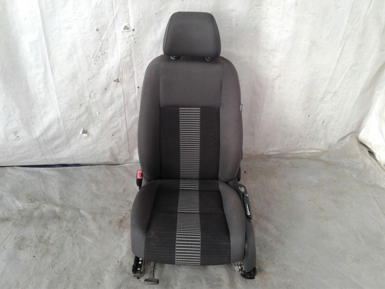 Fotel przód przedni lewy kierowcy VW Golf 5 V