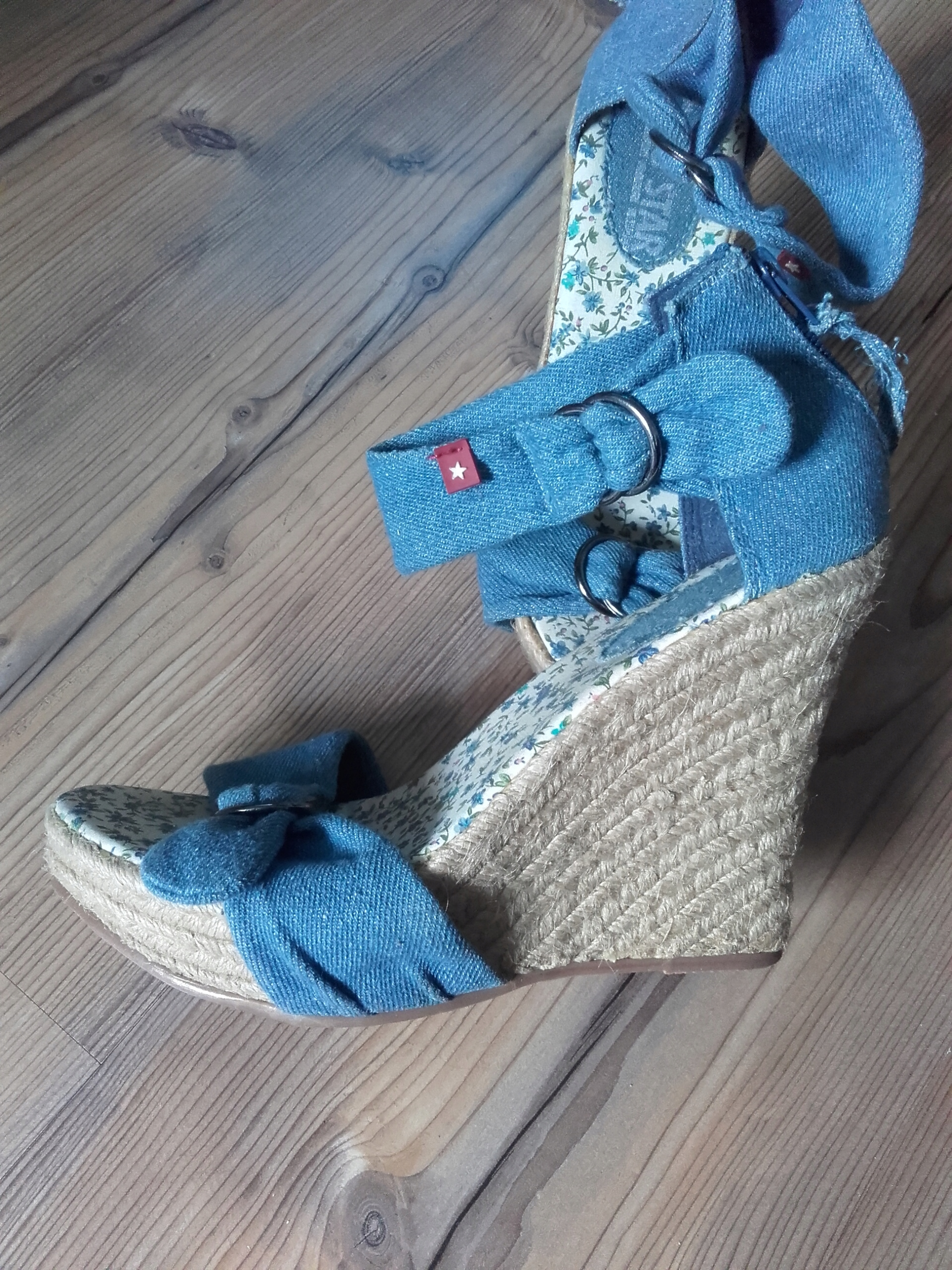 extra sandały damskie na koturnie rozm. 38
