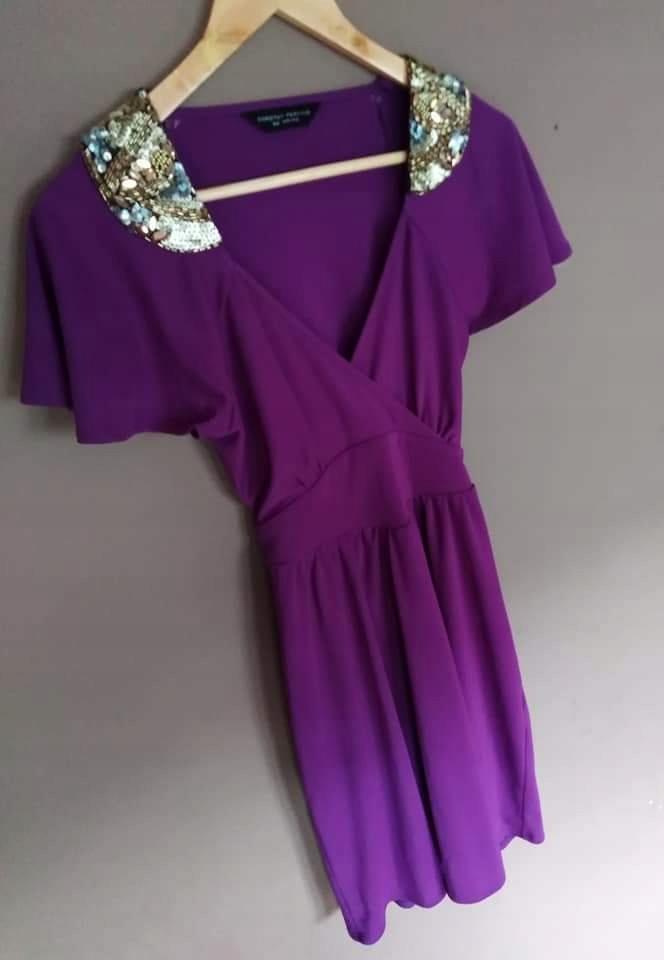 fioletowa sukienka D. PERKINS 36 cekiny