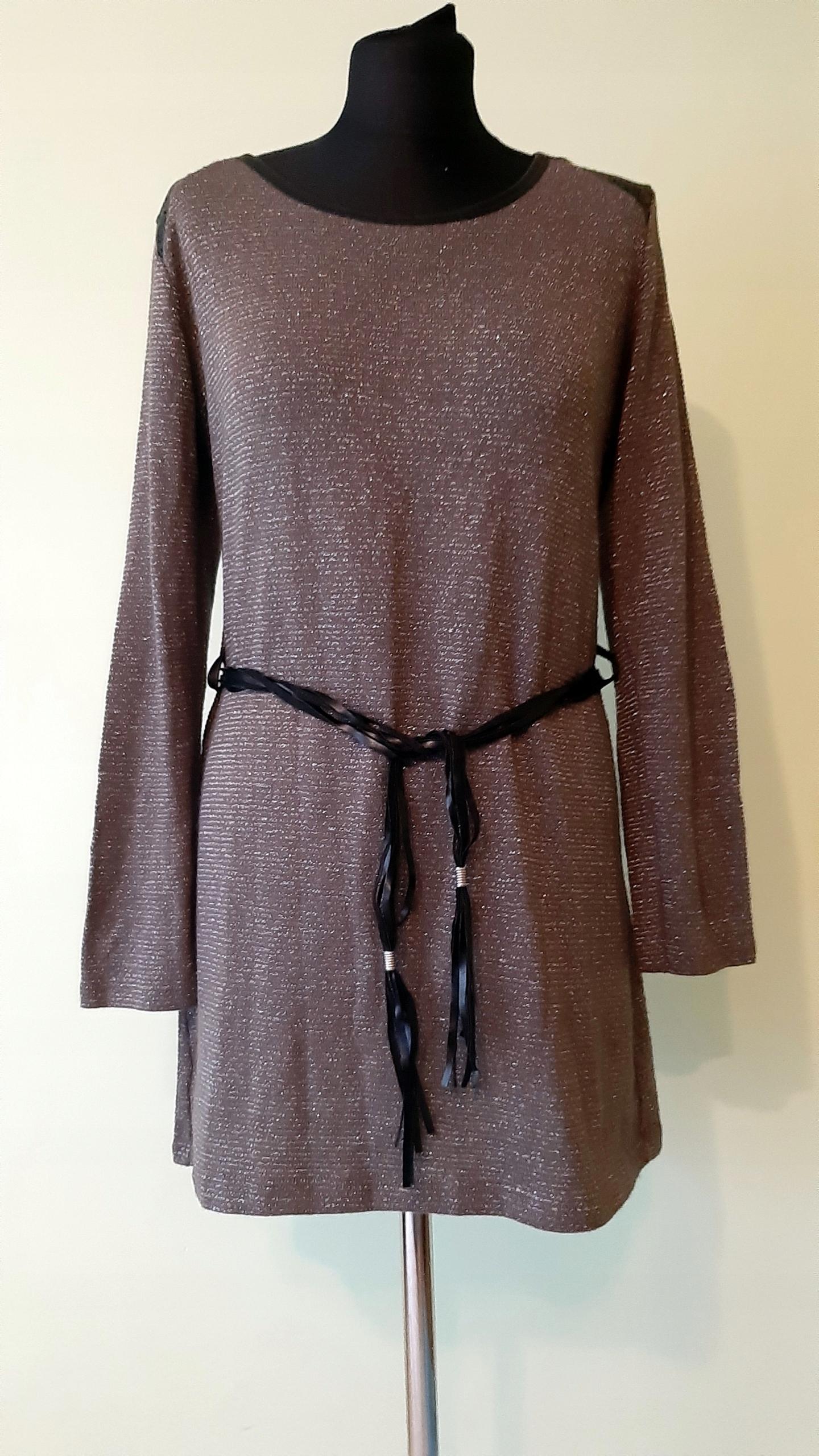 Piękna sukienka sweterkowa rozm M / L