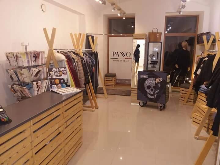 Modish Wyposażenie sklepu odzieżowego - 7459559042 - oficjalne archiwum OO08