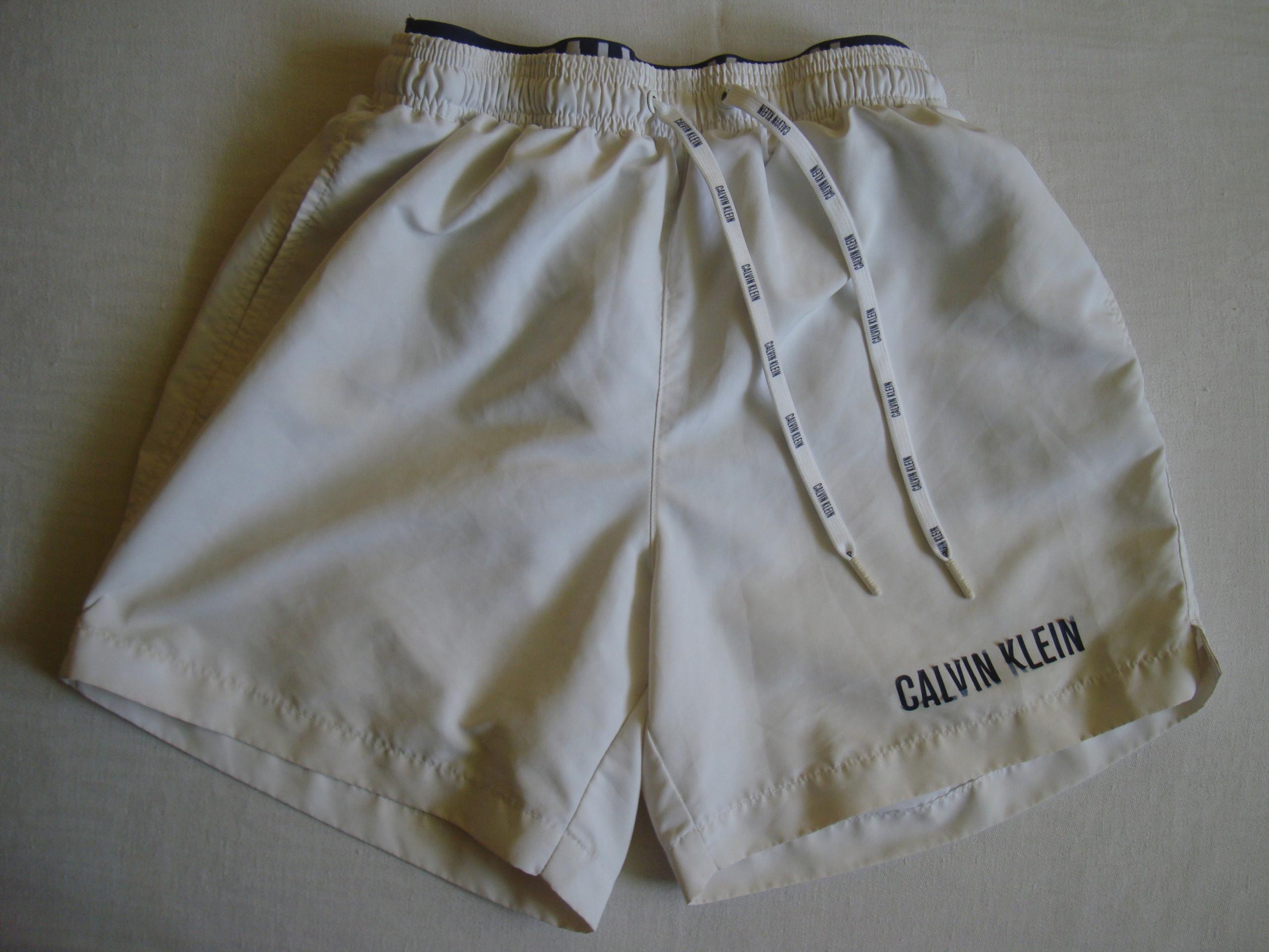 Calvin Klein krótkie spodenki unisex rozmiar S