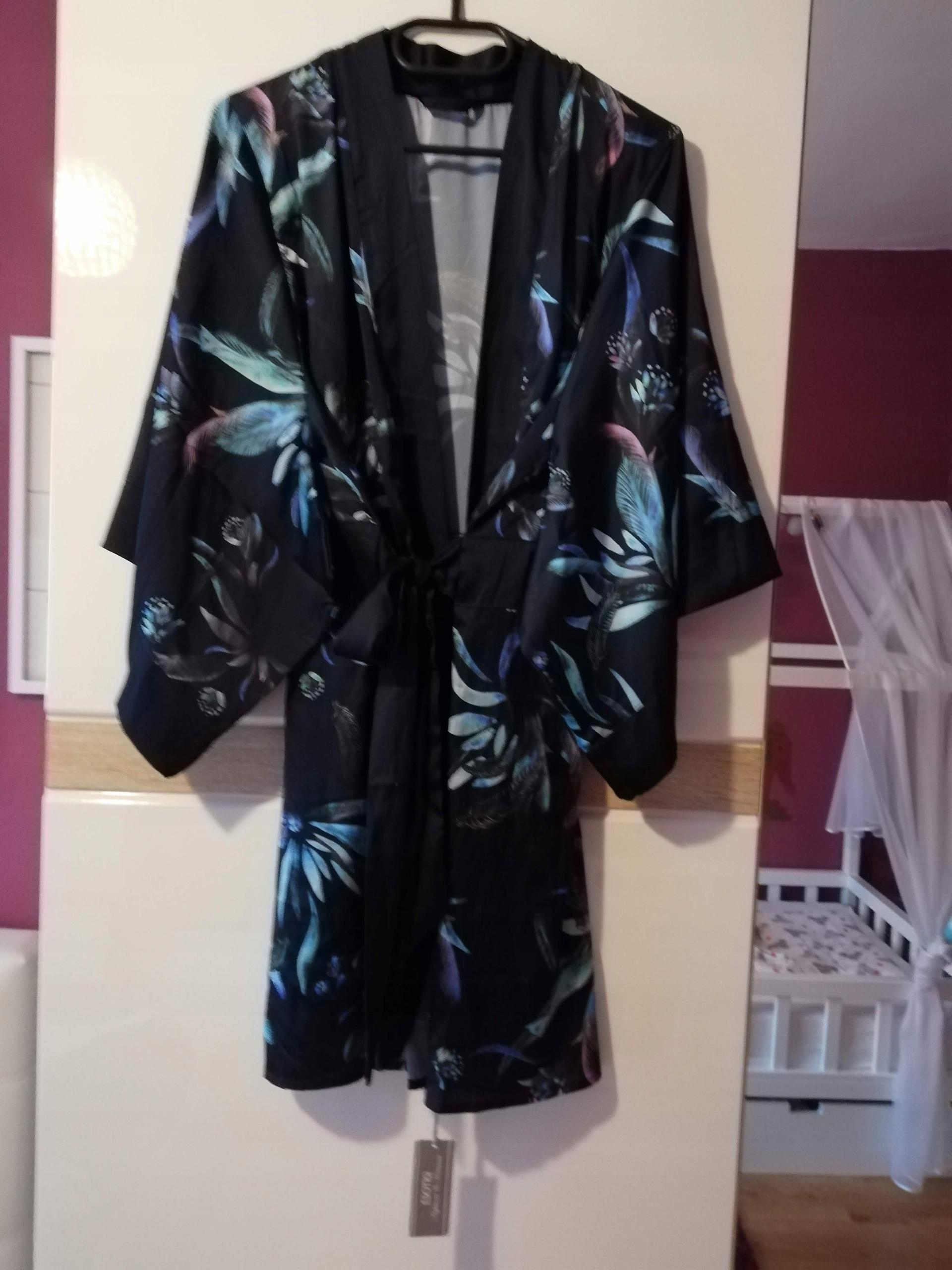 Esotiq szlafrok damski kimono w kwiaty nowy 38 M
