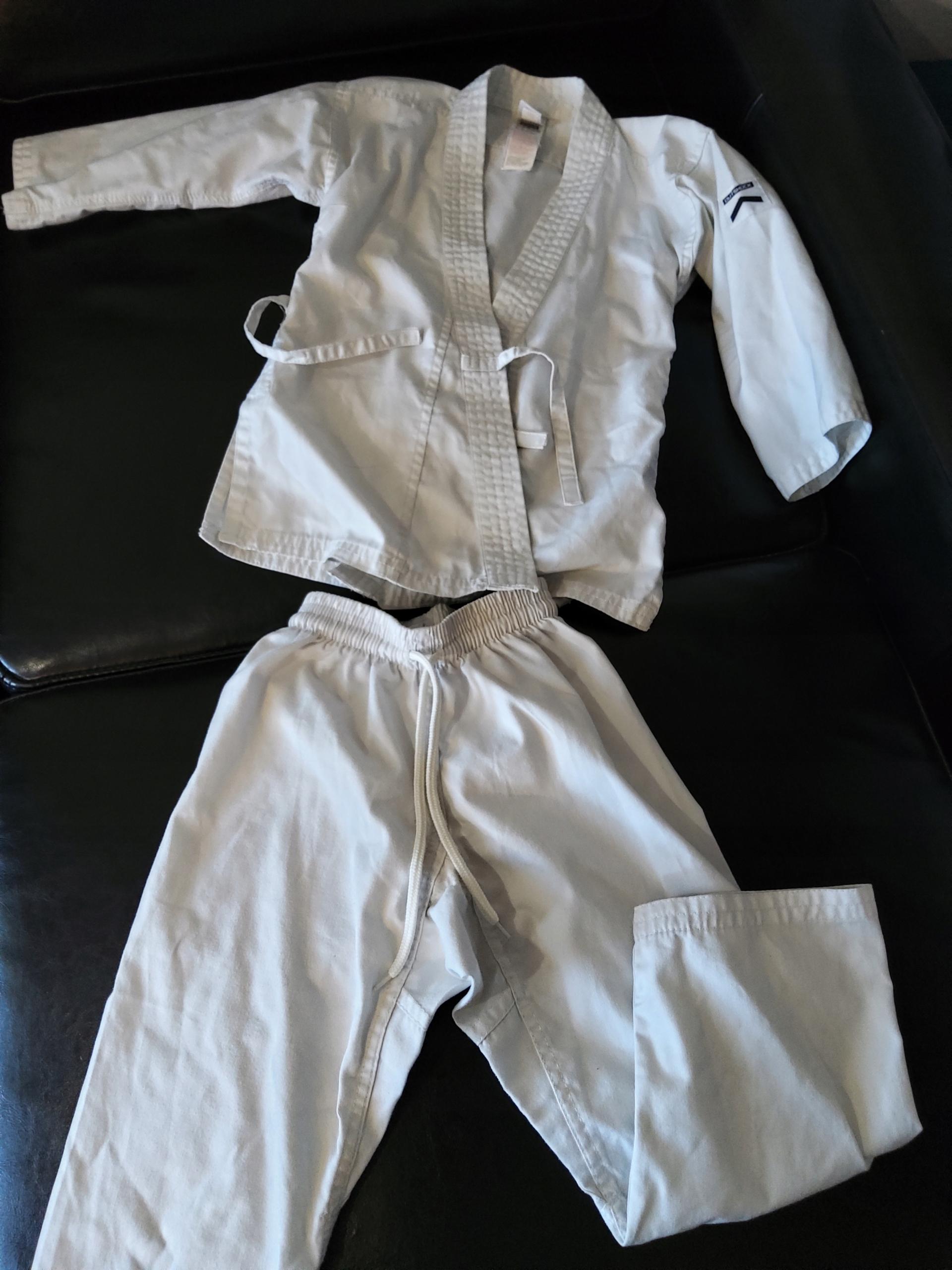 Kimono dla dziecka 110 komplet 4-6 lat