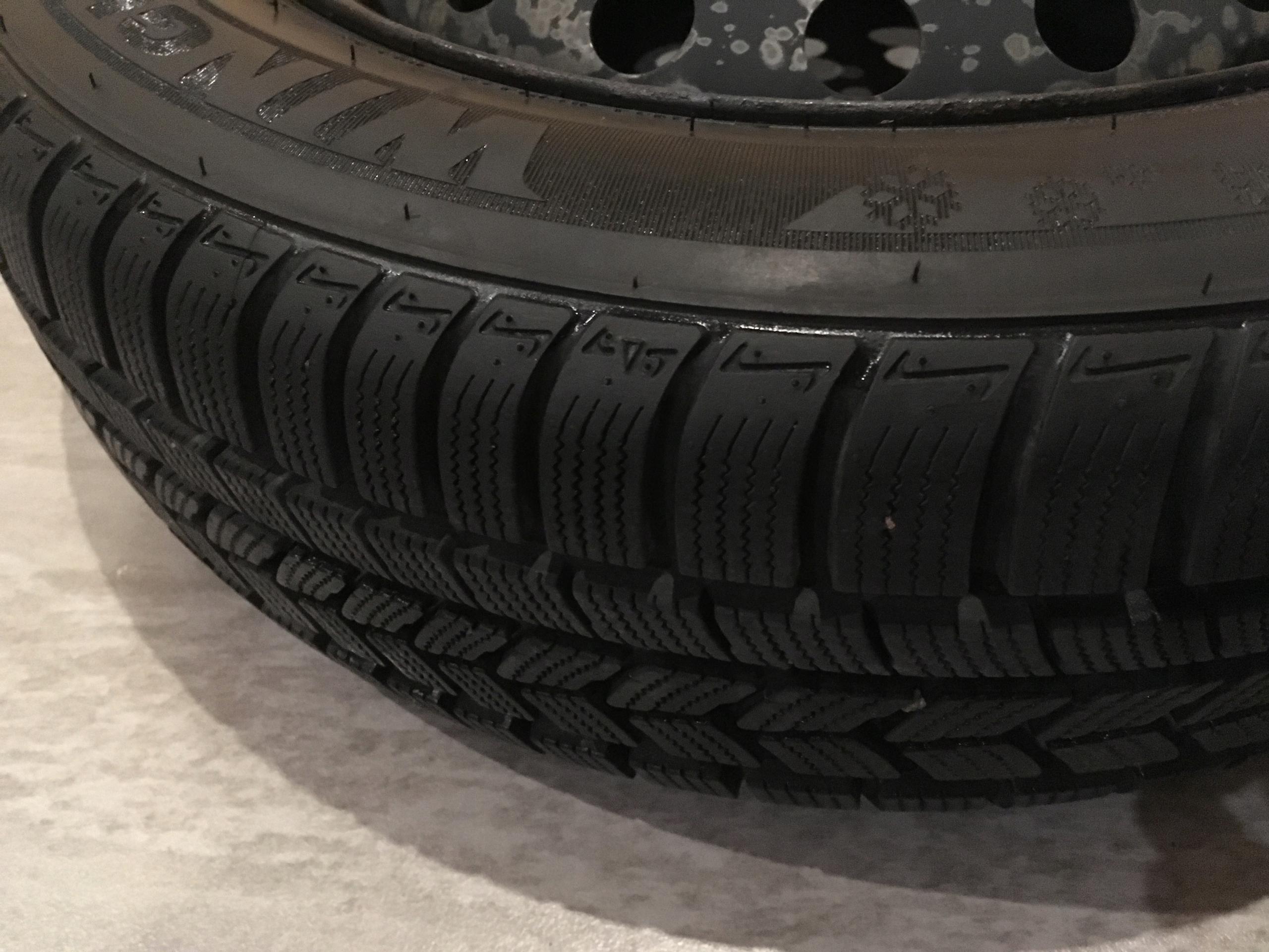 Koła Opony Zimowe Nexen 1856015 Suzuki Swift 7728374754