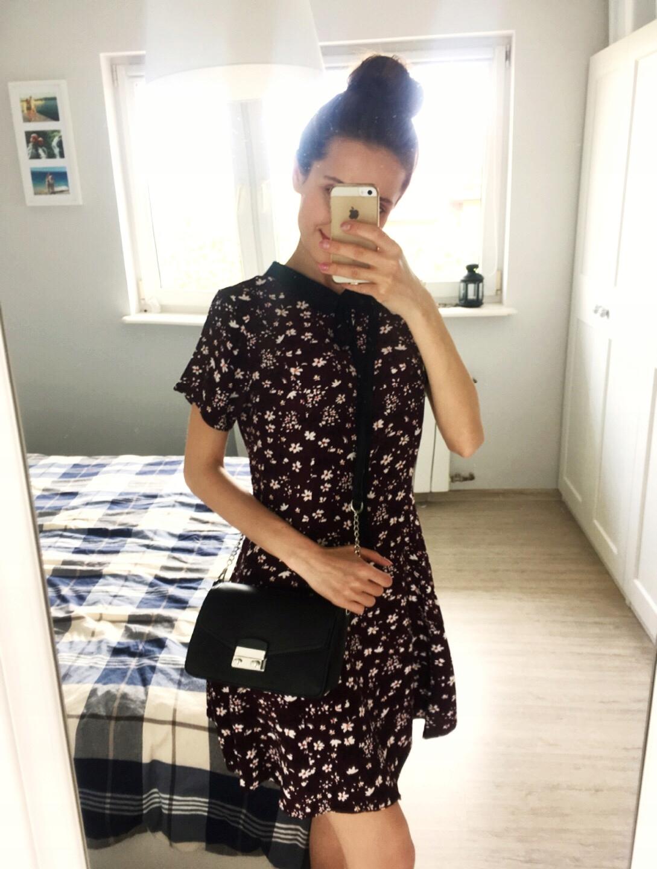 Bordowa sukienka w kwiatki kołnierzyk New Look HIT