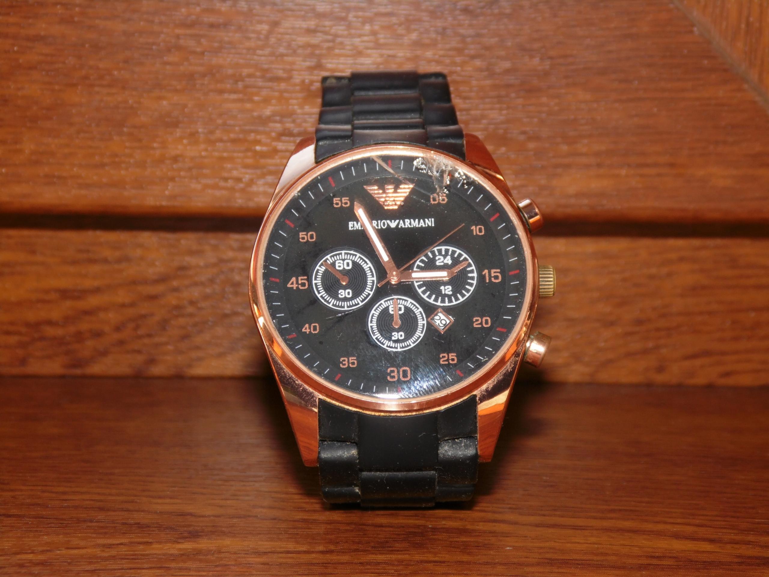 Oryginalny zegarek ... z datownikiem.