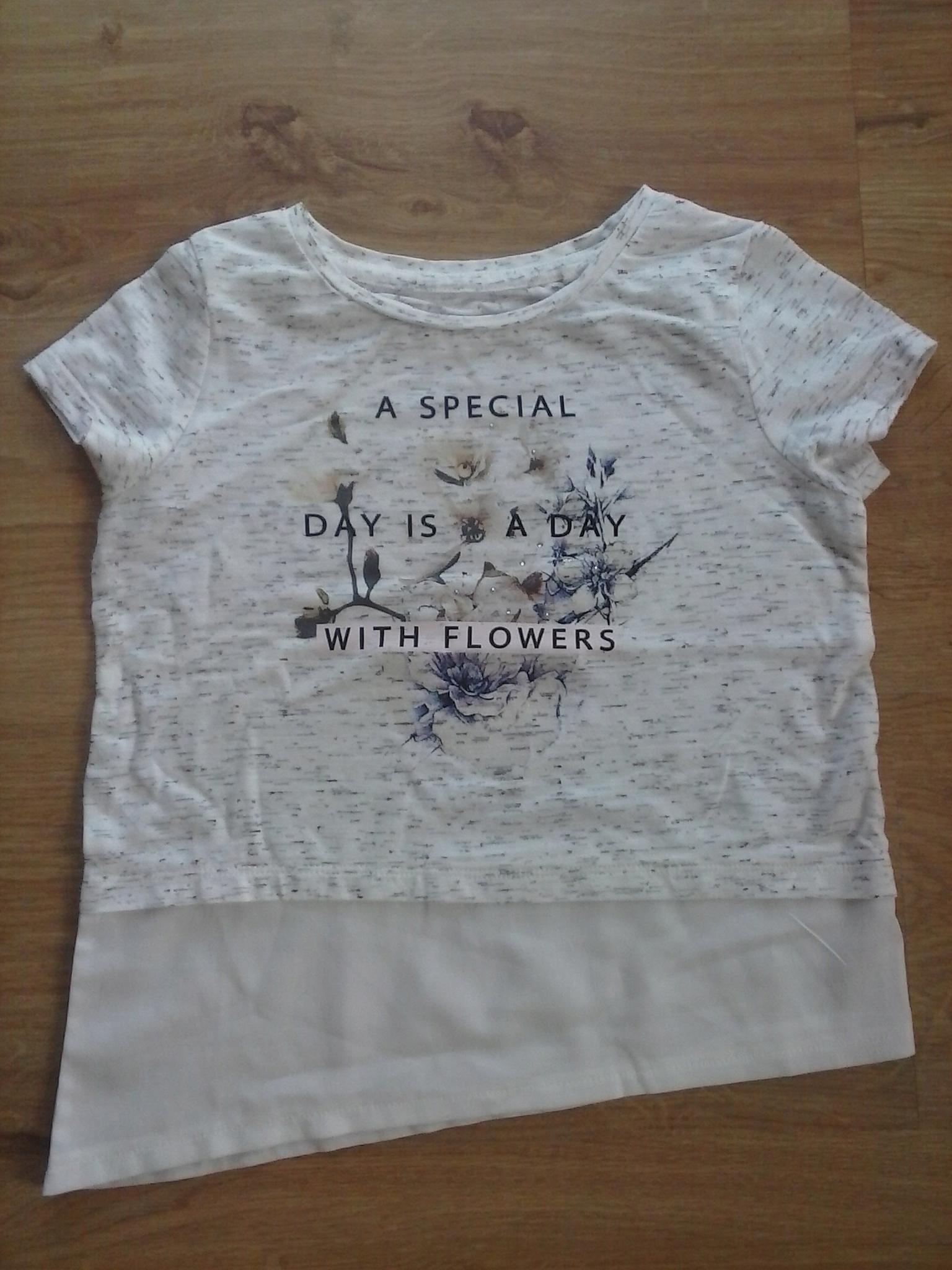 C&A t-shirt , bluzka napisy rozm. 122/128