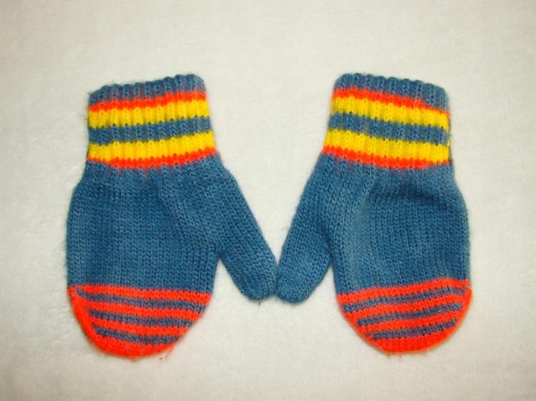 Śliczne ciepłe rękawiczki r. 6+m