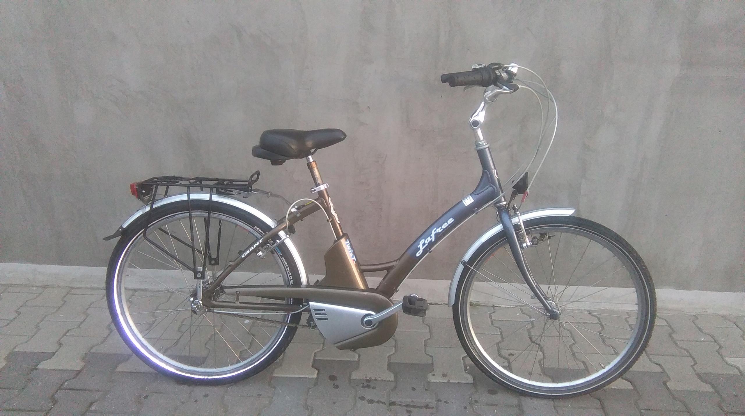 """Rower elektryczny GIANT LAFREE TWIST 26"""" ALU"""