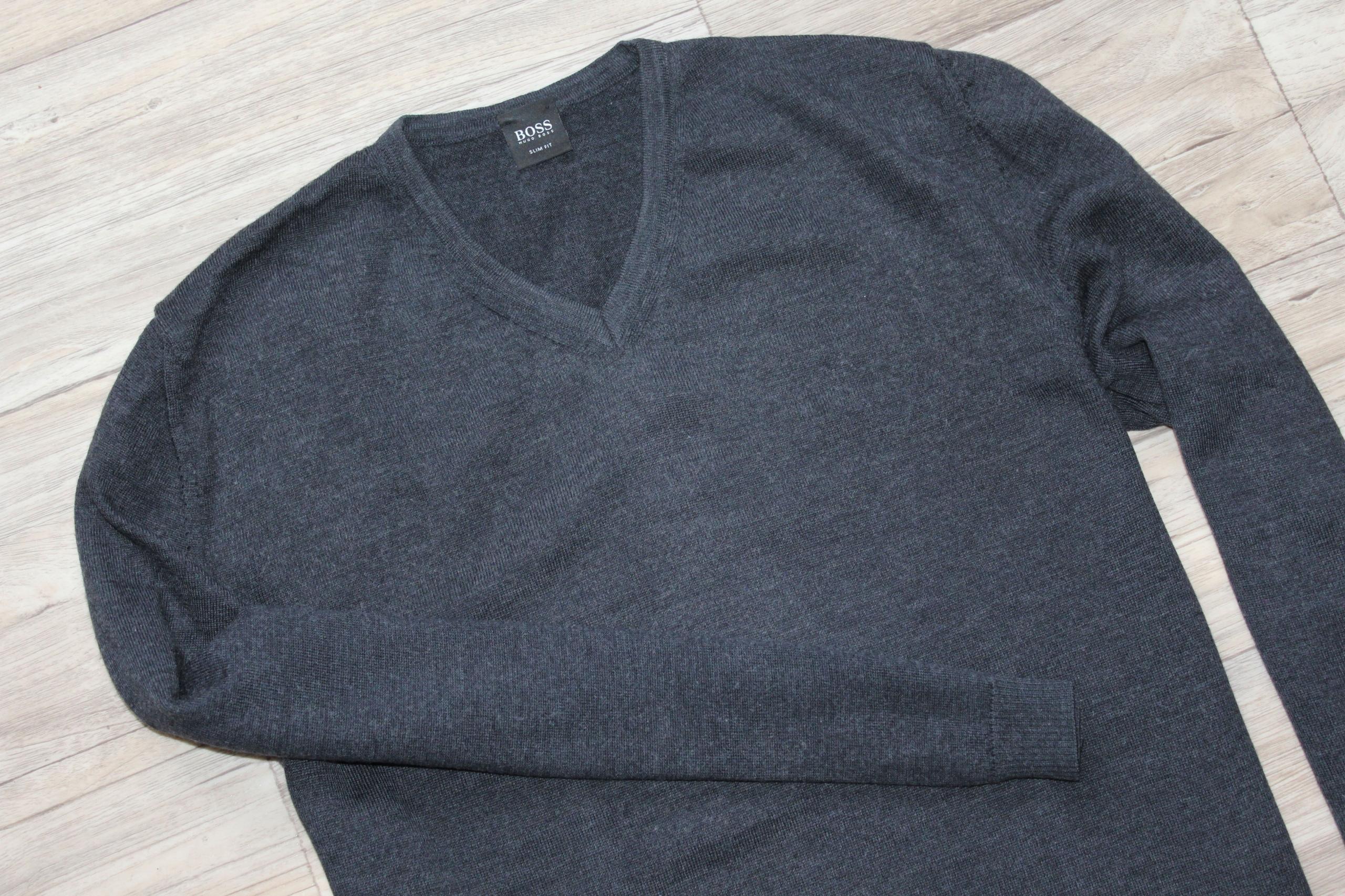 Sweter Hugo Boss XL slim fit wełna dziewicza 100 %