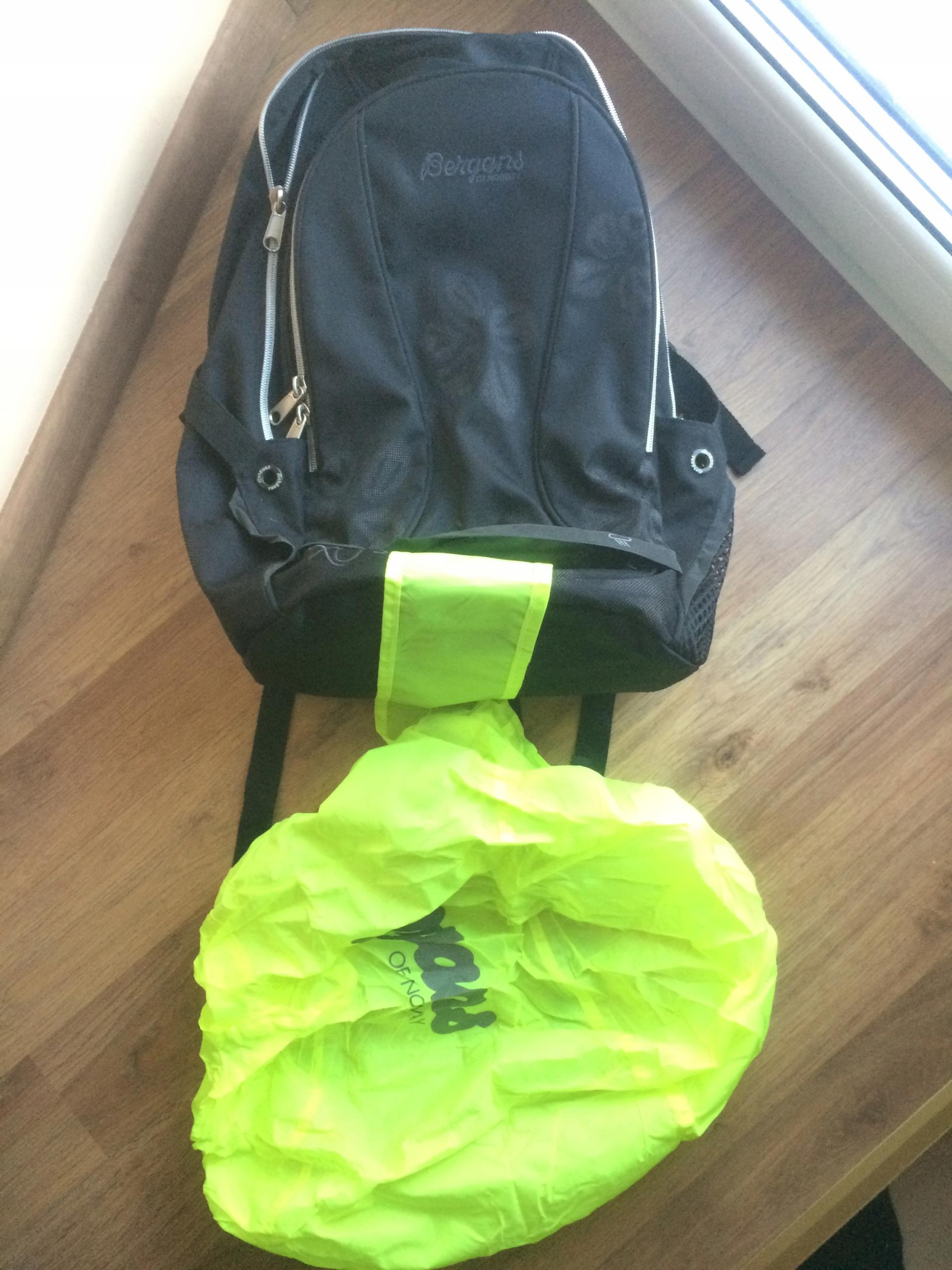Plecak BERGANS OF NORWAY XO 28 L ładny z pokrowcem