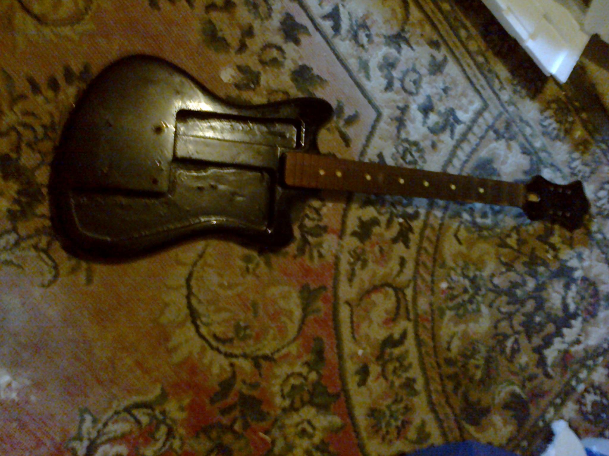 stara gitara korpus i gryf