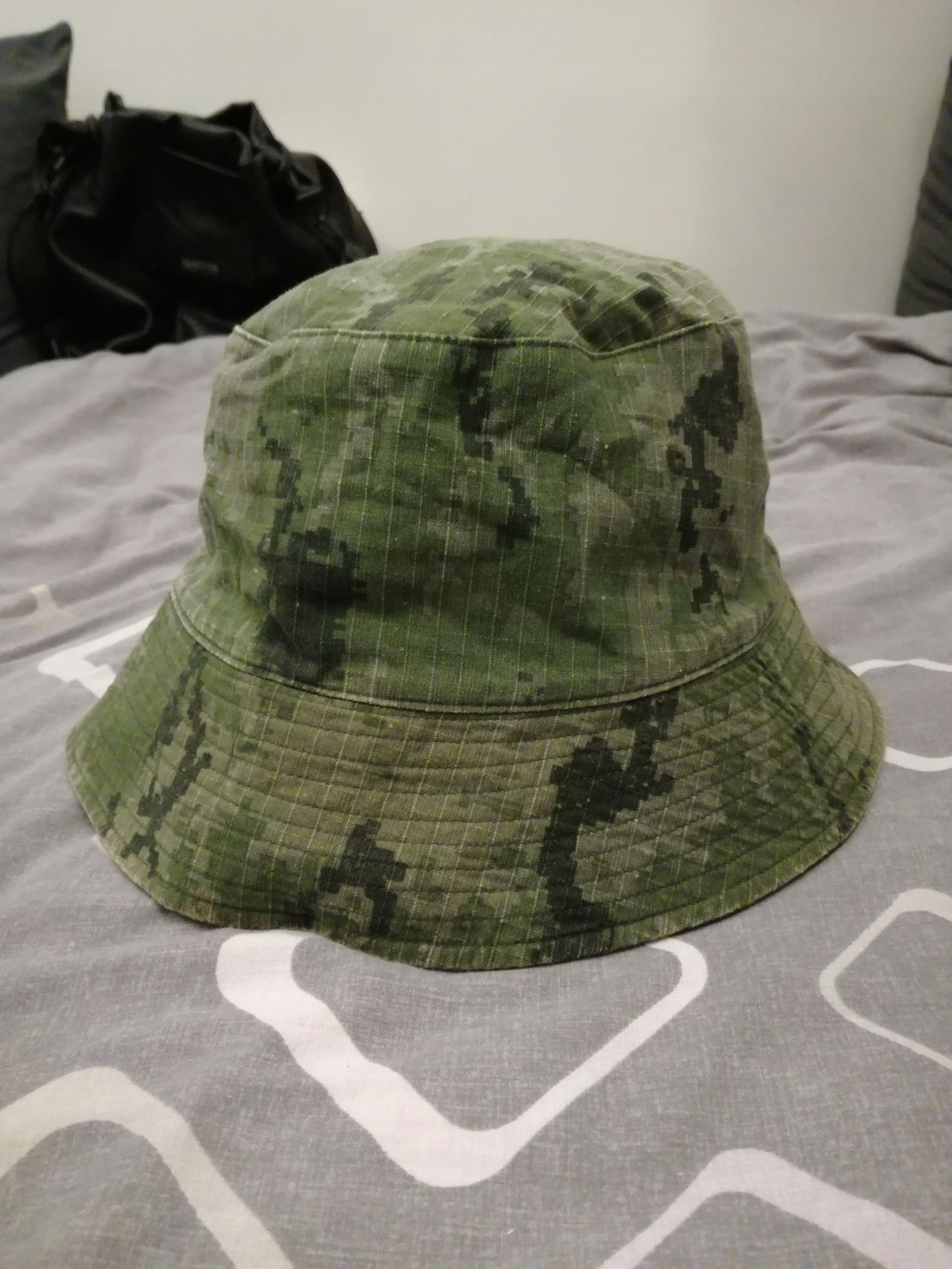 Bucket Hat, MORO