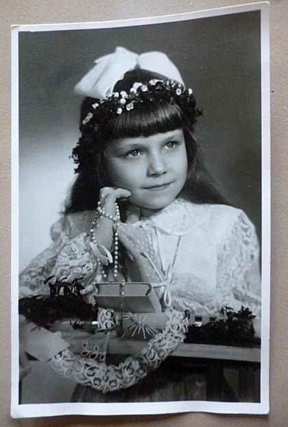 zdjęcie dziewczynka komunijne