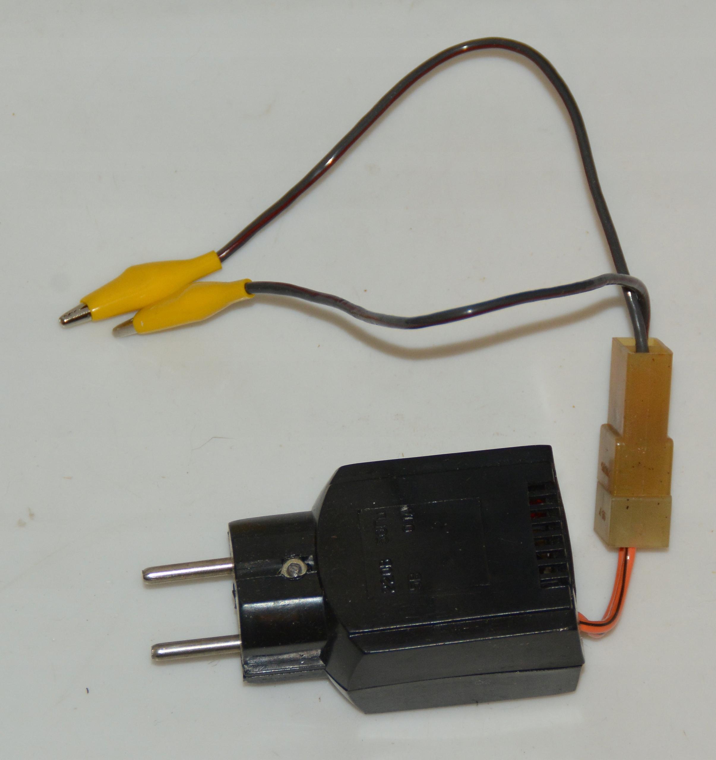 zasilacz sieciowy miniaturowy prąd stały 100 V DC