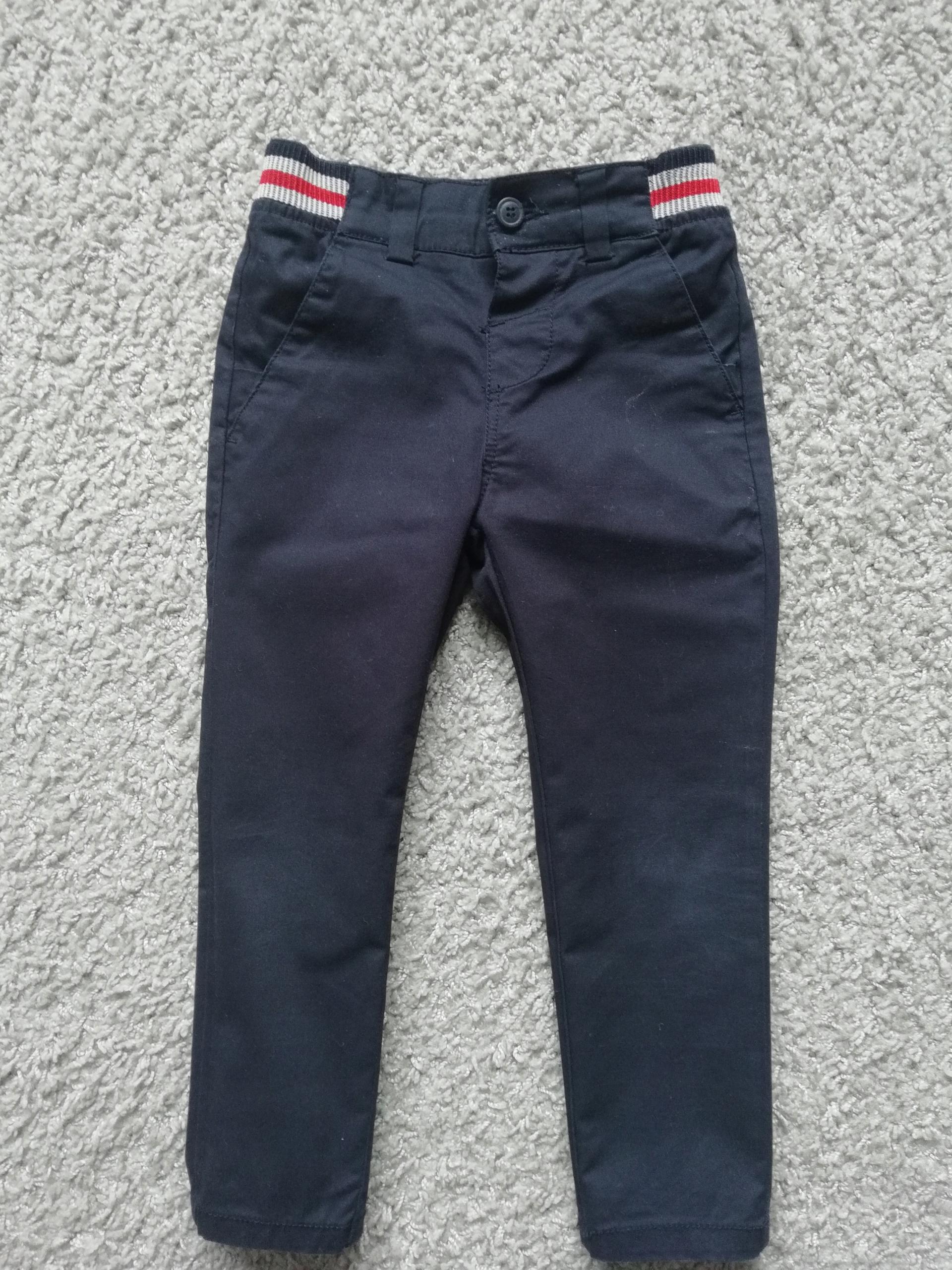 Spodnie chinosy Reserved r. 104 jak nowe