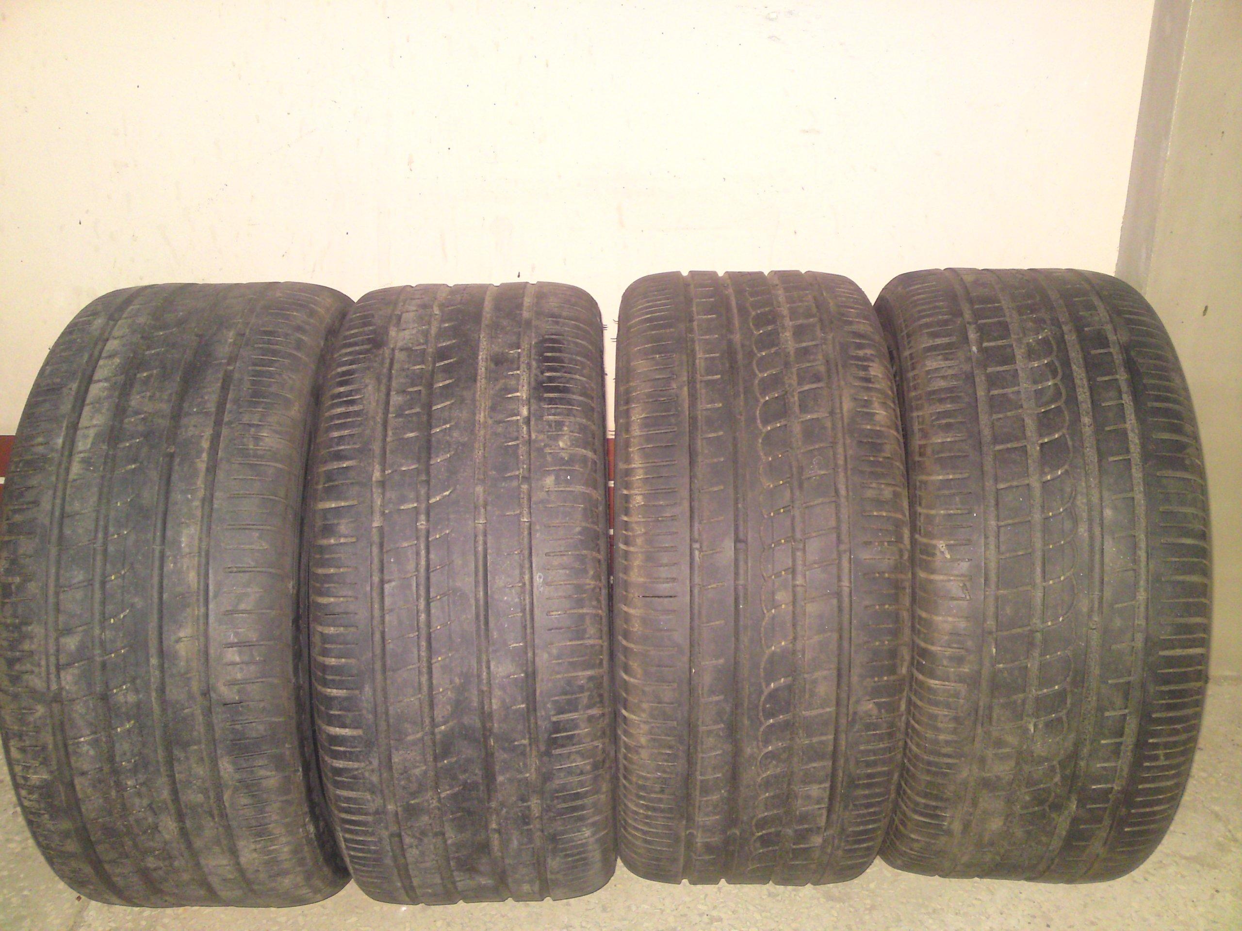 Pirelli P Zero Rosso 245/40 R17