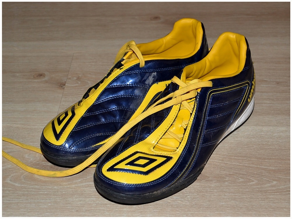 Umbro buty sportowe meskie Halowki Roz-45
