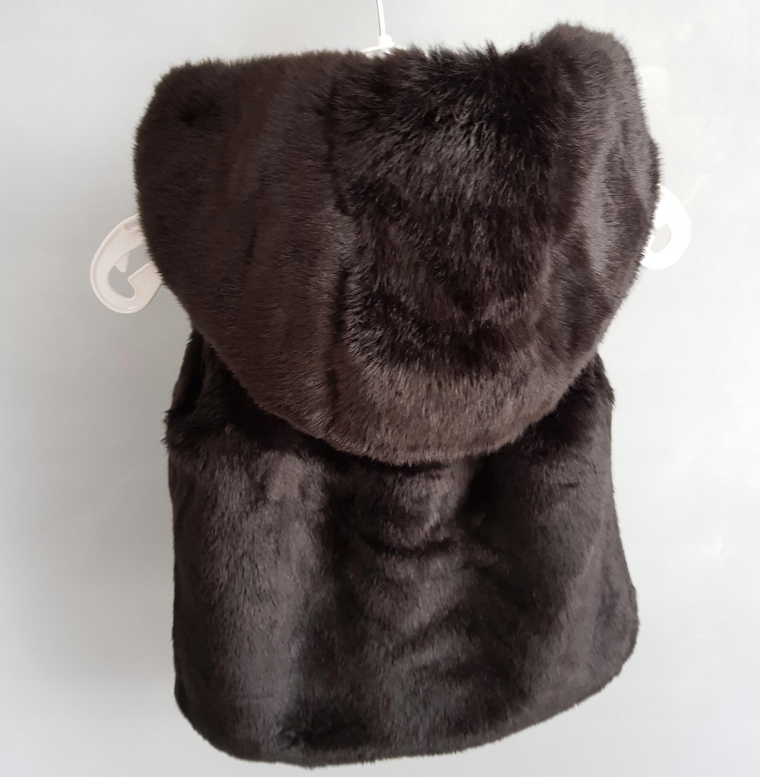 kamizelka F&F futerko czarne kożuszek 80 +12mc