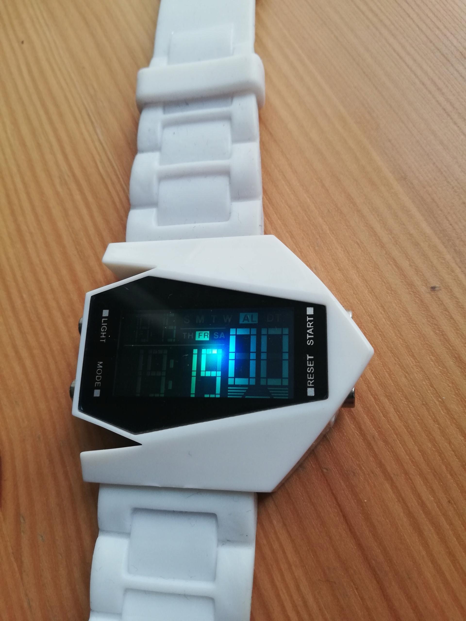 Zegarek cyfrowy oryginalny design