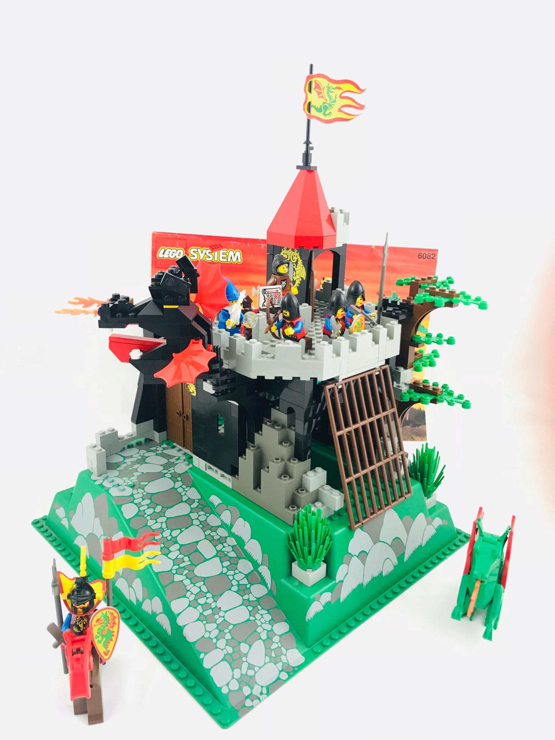 Lego Castle 6082 Fire Breathing Fortress -lata '90