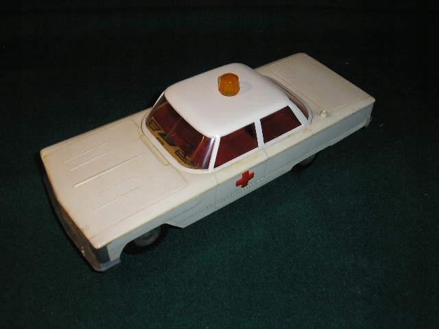Samochód sanitarka PALART z 1972 r -uszkodzony