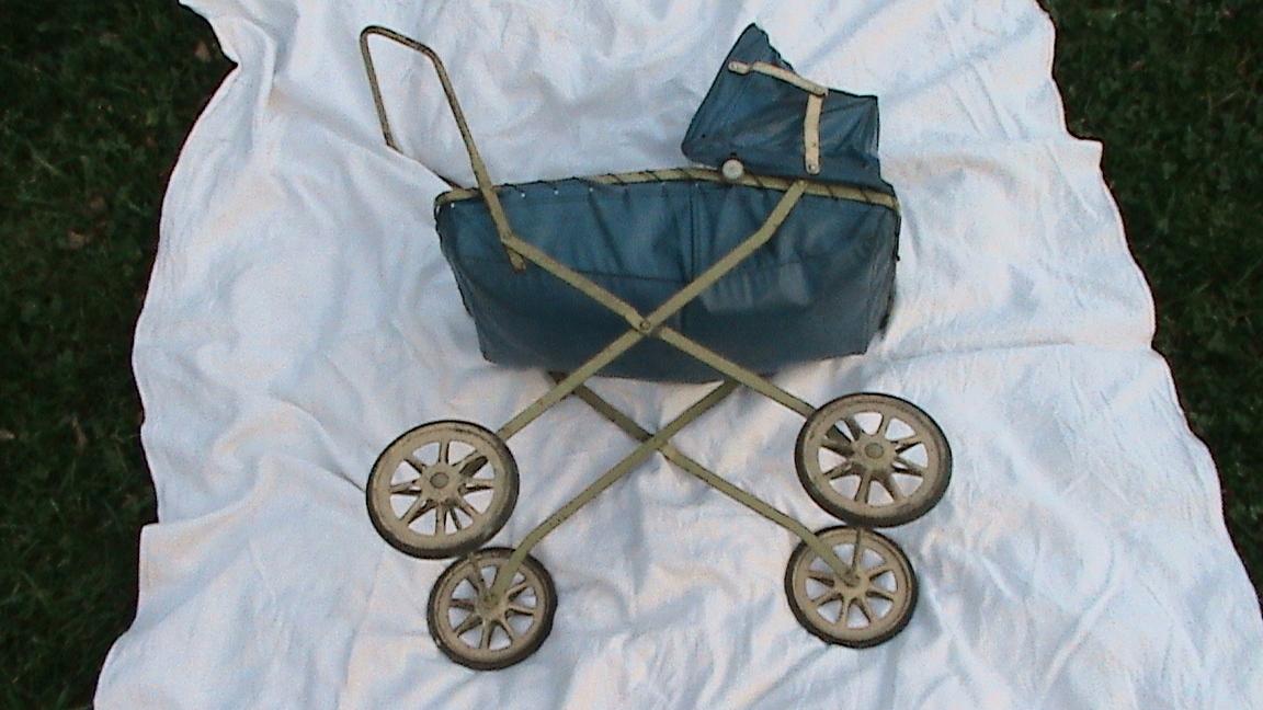 PRL - stary wózek dziecięcy na lalki - OKAZJA