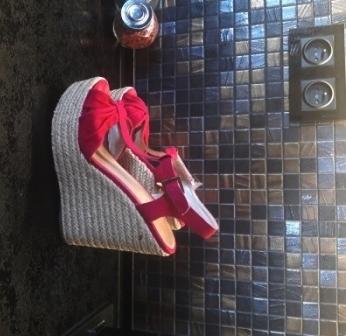 ALDO fuksja sandały koturny 39