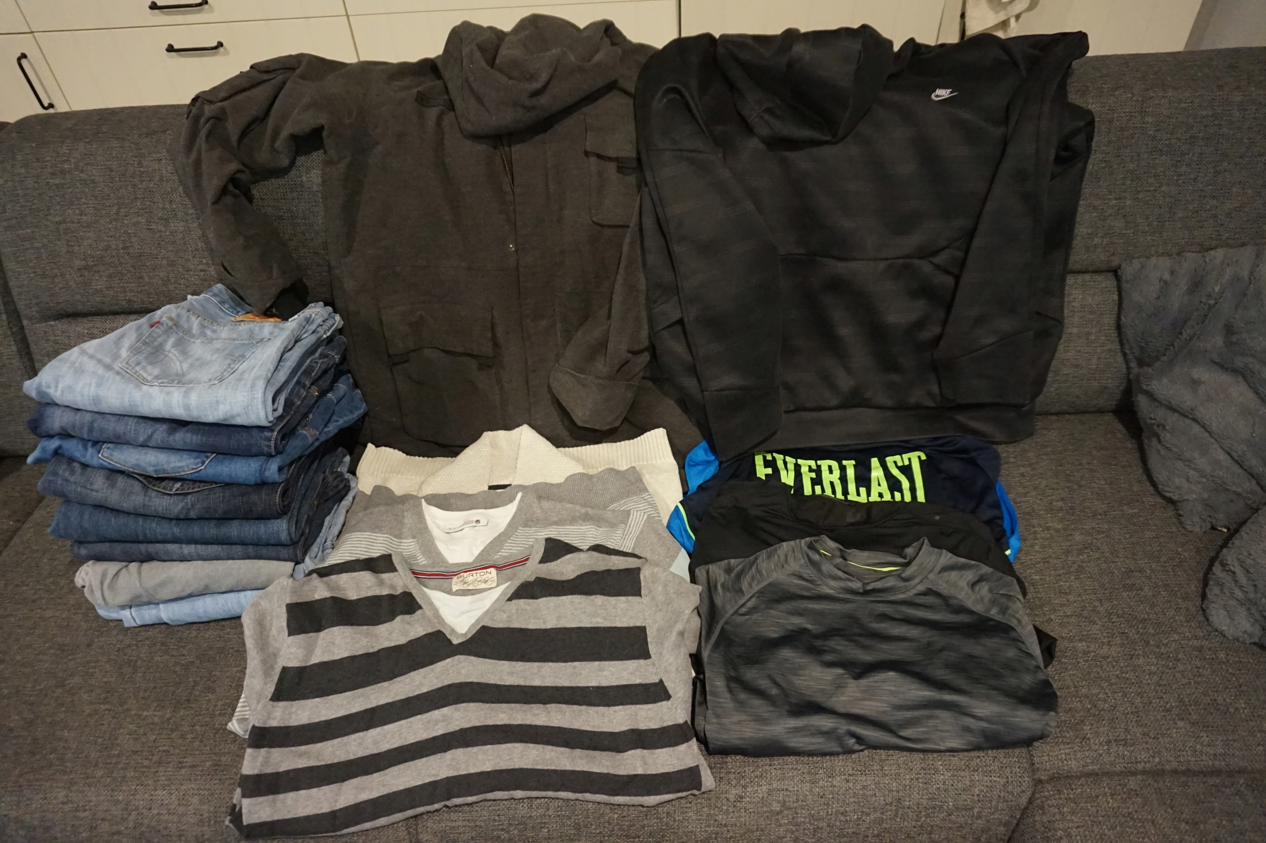 Zestaw ubran dla mezczyzny roz L/XL 180-190 cm