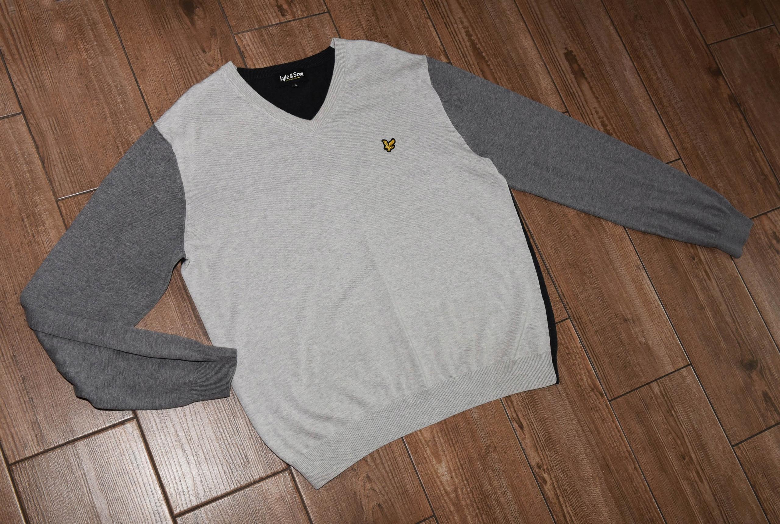 Lyle & Scott exclusive sweaters v-neck / R. XL