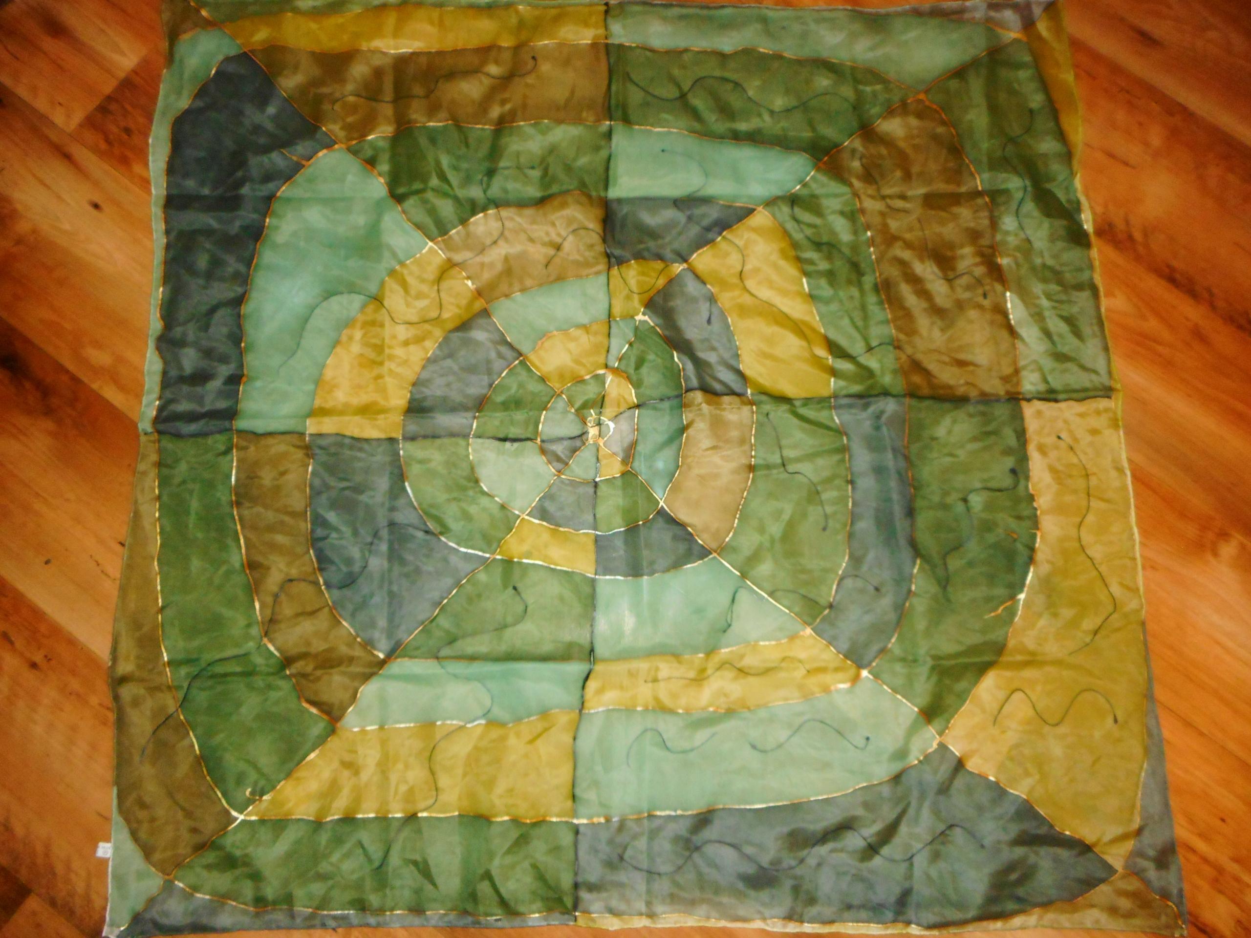 Jedwabna apaszka ręcznie malowana w zieleniach