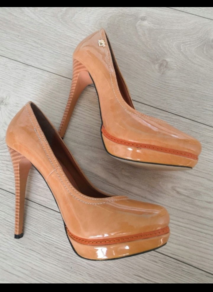Buty obcas Vices platforma beż lakierowane