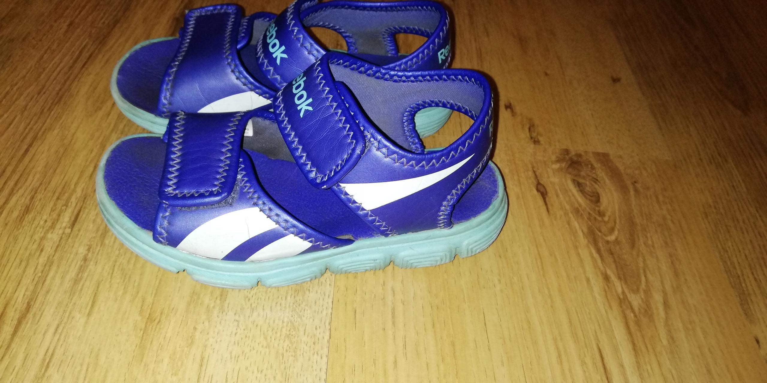 Sandałki dla dziewczynki Reebok r. 26,5